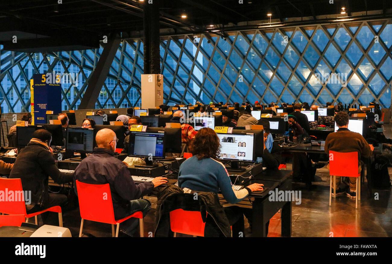 computer users, Seattle Public Library, Washington State, USA - Stock Image