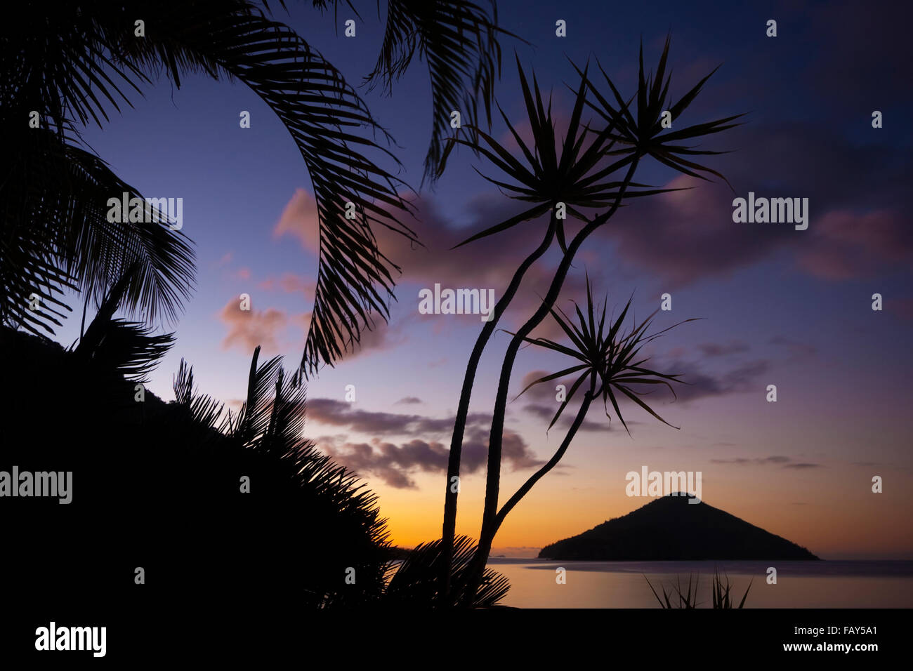 Sunset at South Molle Island, Whitsunday Islands, Queensland, Australia. - Stock Image