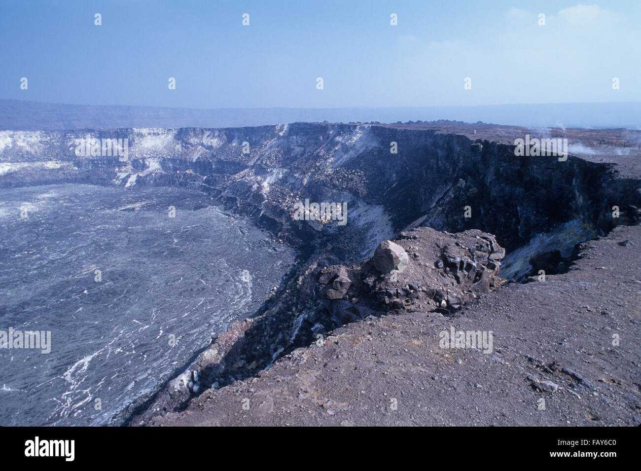 Big Island, Hawaii, Hawaii Volcanoes National Park, Halemaumau Crater rim view - Stock Image