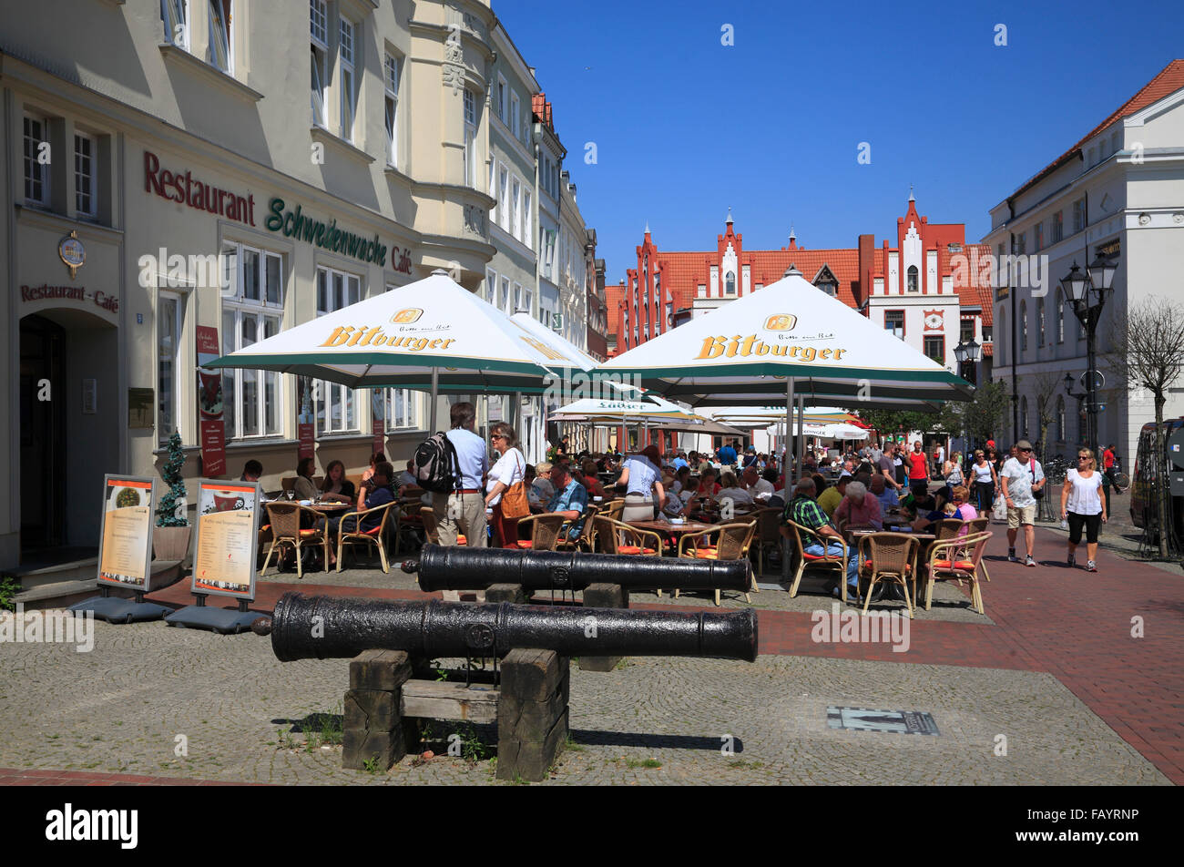 Cafes at market square,  Wismar, Baltic Sea, Mecklenburg Western Pomerania, Germany, Europe - Stock Image