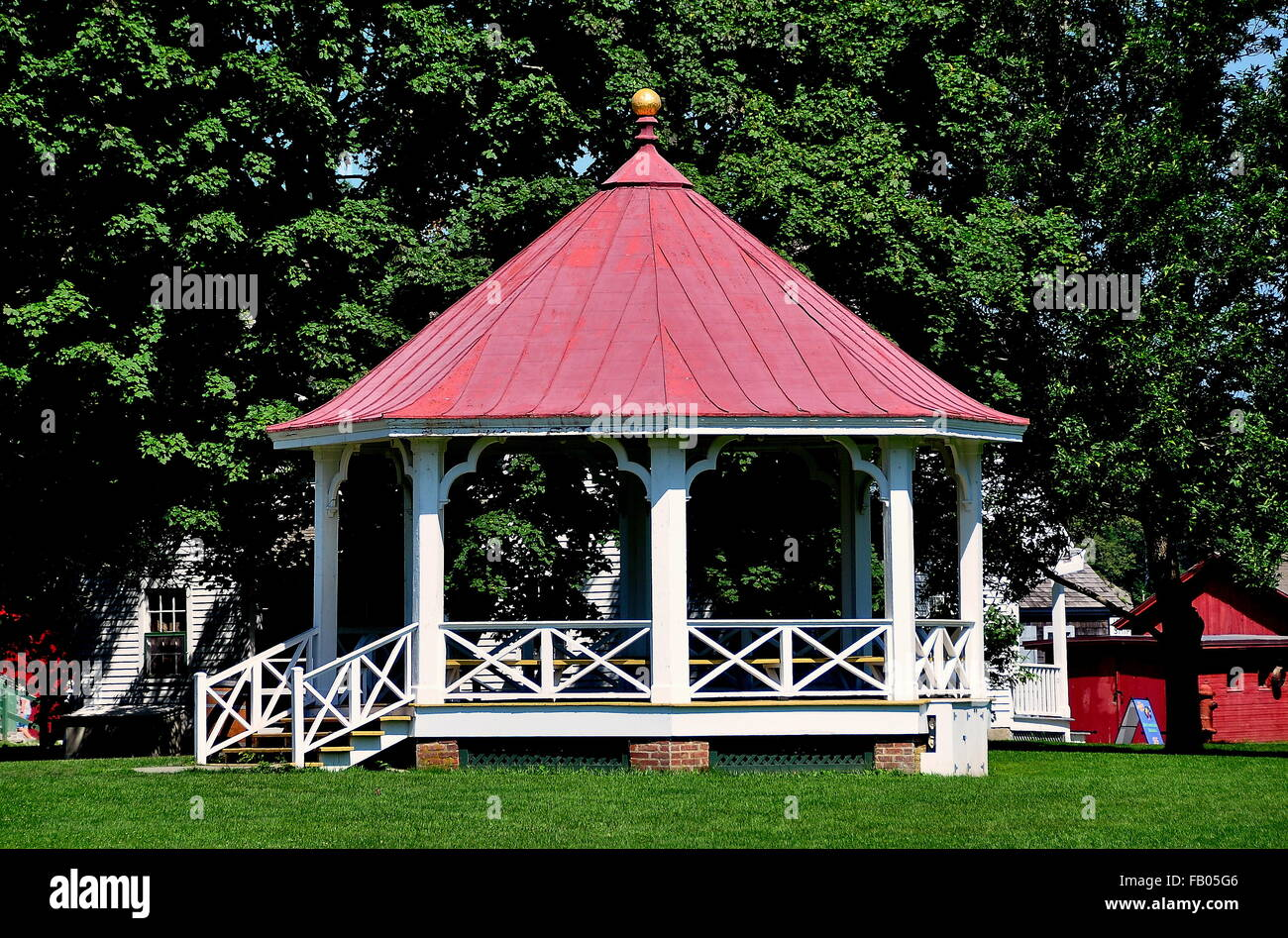 Mystic, Connecticut:  19th century wooden bandstand on the Village Green at historic Mystic Seaport - Stock Image