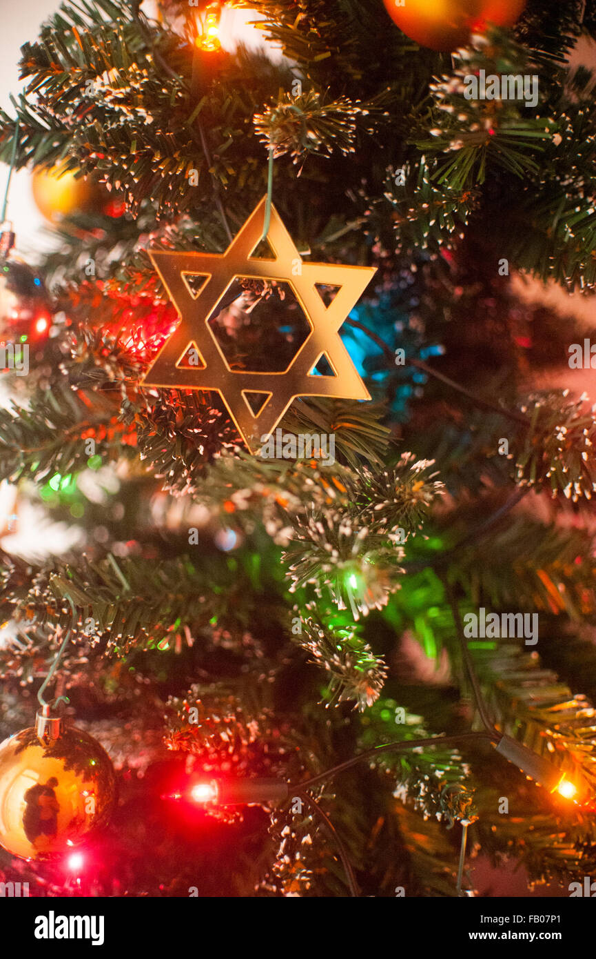 Jewish Star of David on Christmas tree Stock Photo: 92819161 - Alamy