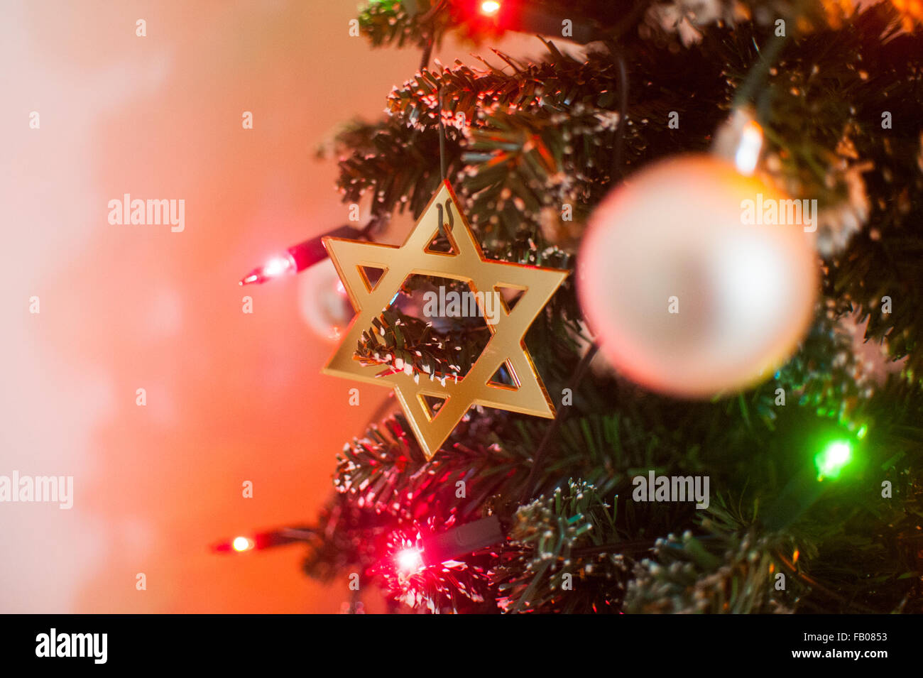 Jewish Star of David on Christmas tree Stock Photo: 92819471 - Alamy
