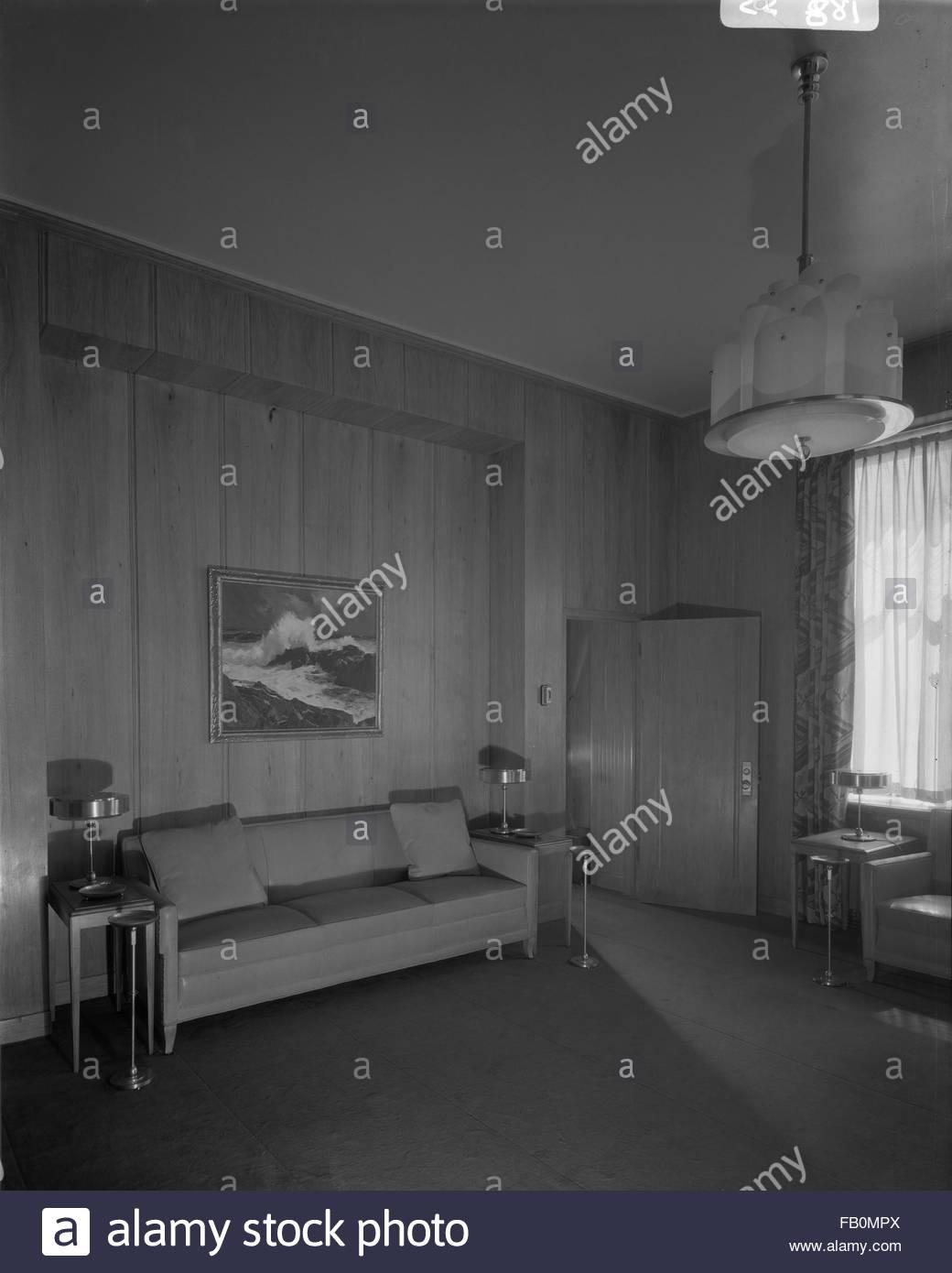 Interior, sitting room. Jewel Tea Company in Barrington (Ill.), 1930 Apr. 12. - Stock Image