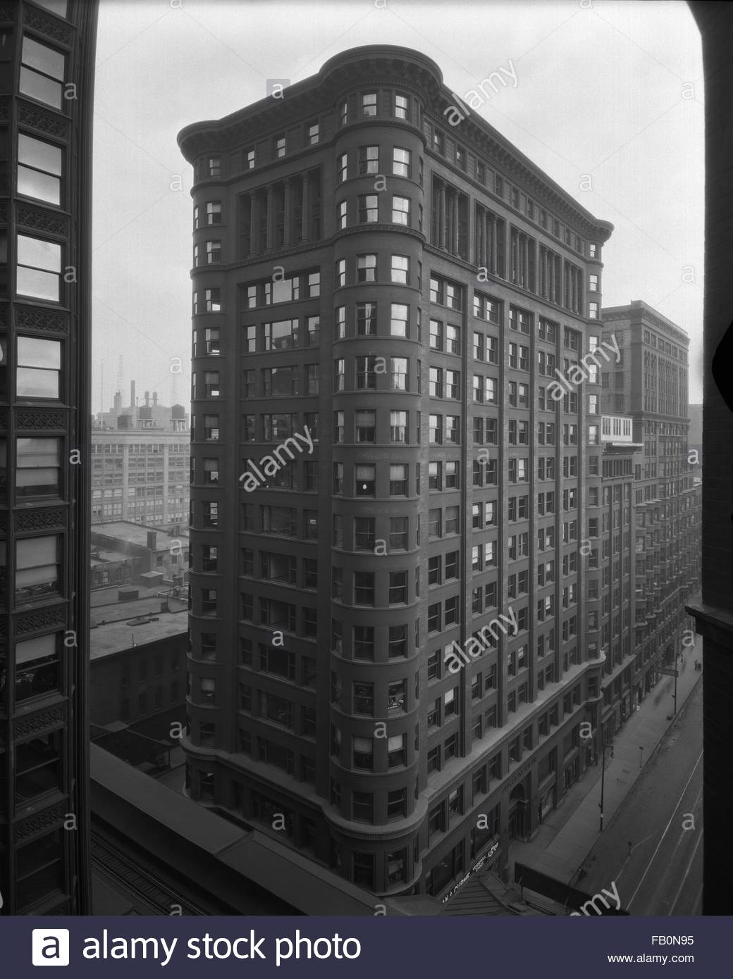 Exterior view of the Old Colony Building, an office building at 407 South Dearborn Street in Chicago. 1932 Apr. - Stock Image