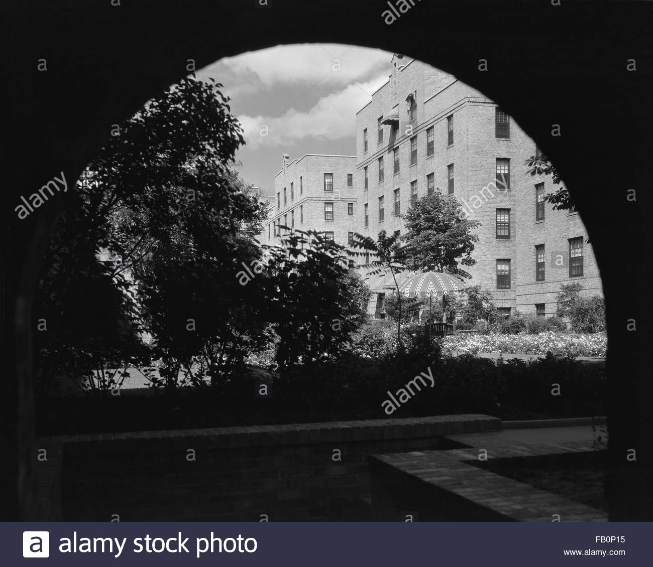 Marshall field garden apartments in chicago ill 1933 - Marshall field garden apartments ...