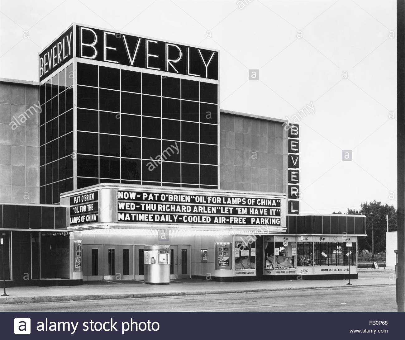 Beverly Theater and other Chicago views, 1935 Aug. 15. - Stock Image