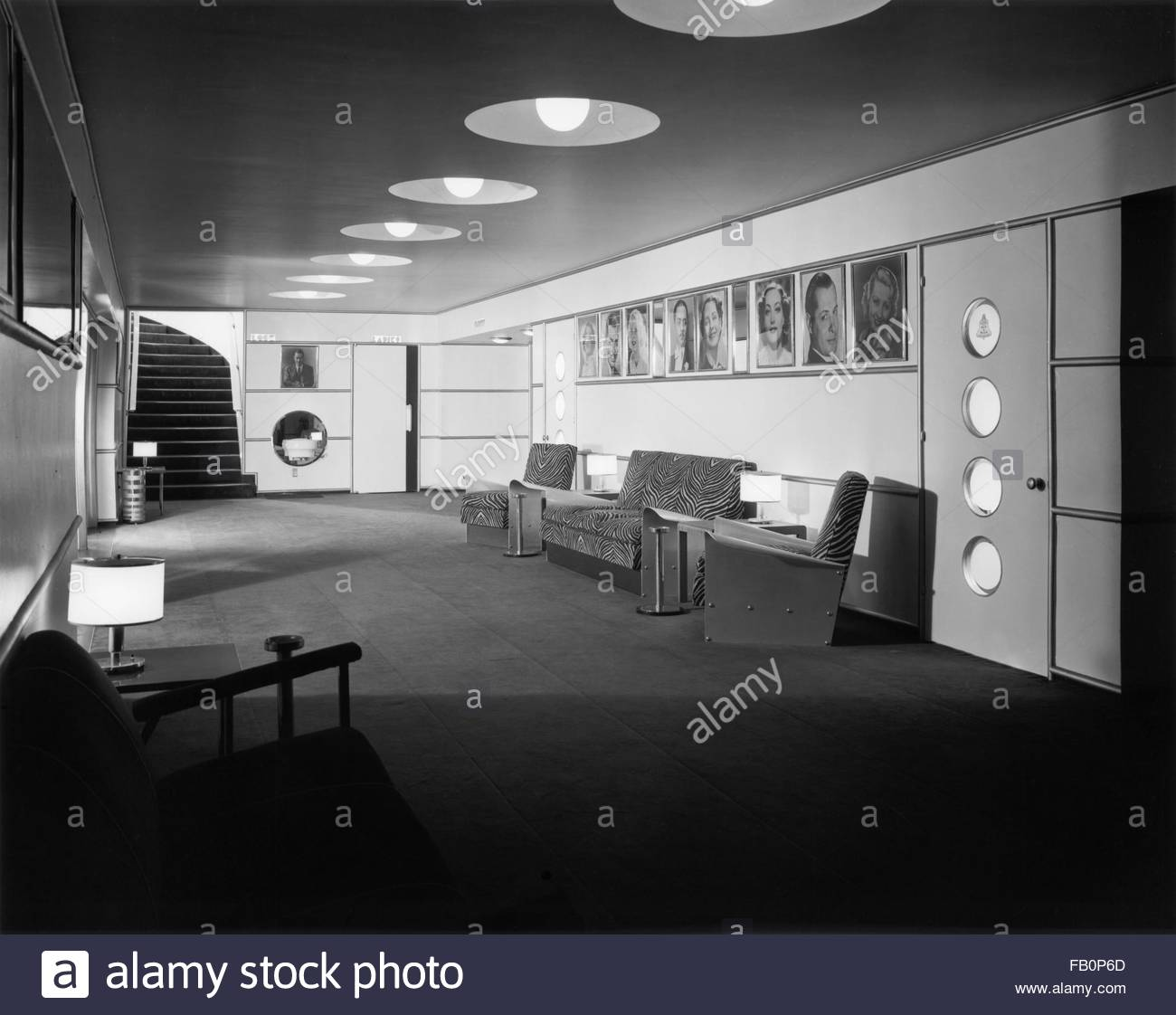 Beverly Theater and other Chicago views, 1935 Aug. 15. Interior, lounge. - Stock Image