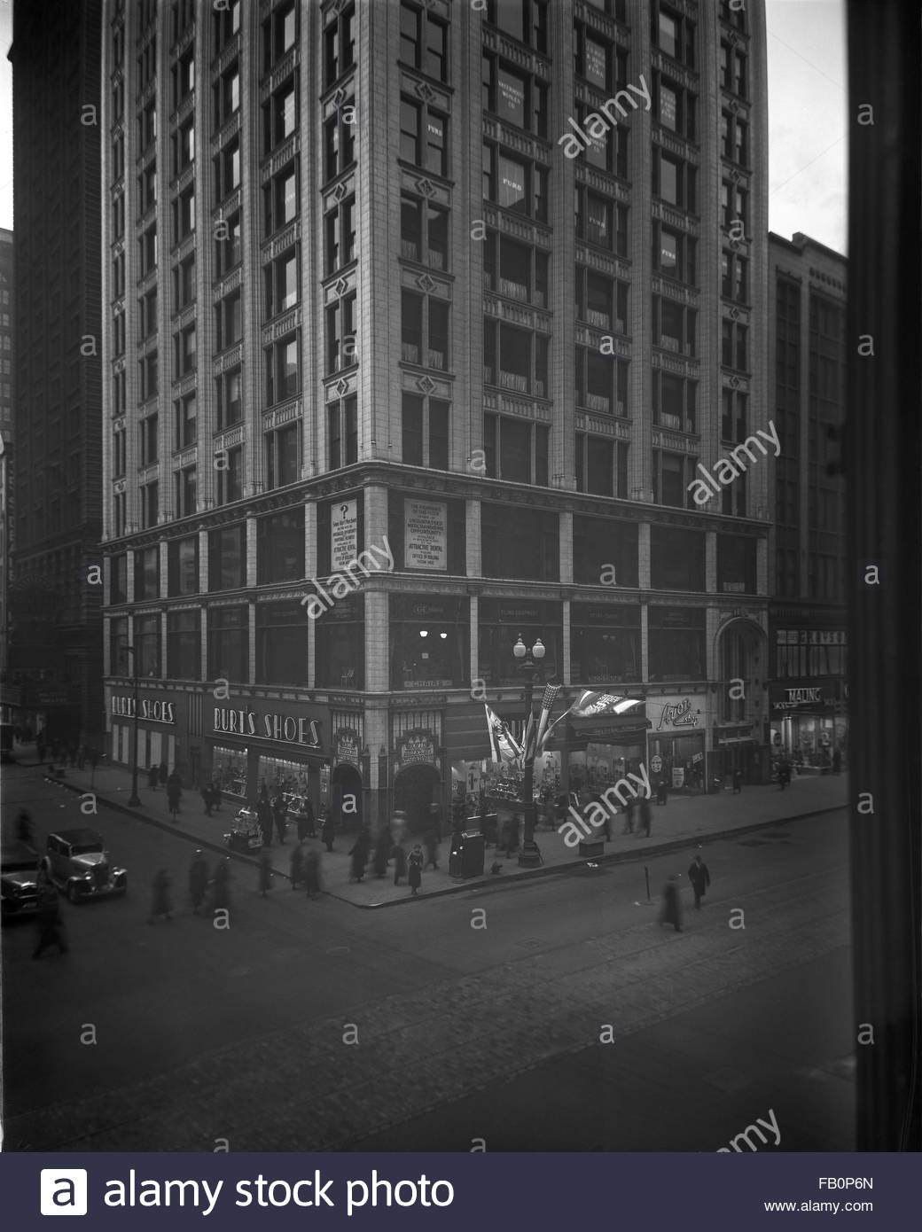 North American Building in Chicago (Ill.), 1936 Jan. 15. Includes exterior views of the North American Building, - Stock Image