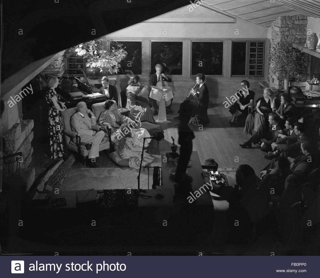 Portraits of Frank Lloyd Wright and others at Taliesin East [graphic], 1937 Dec. Members of the Taliesin Fellowship - Stock Image