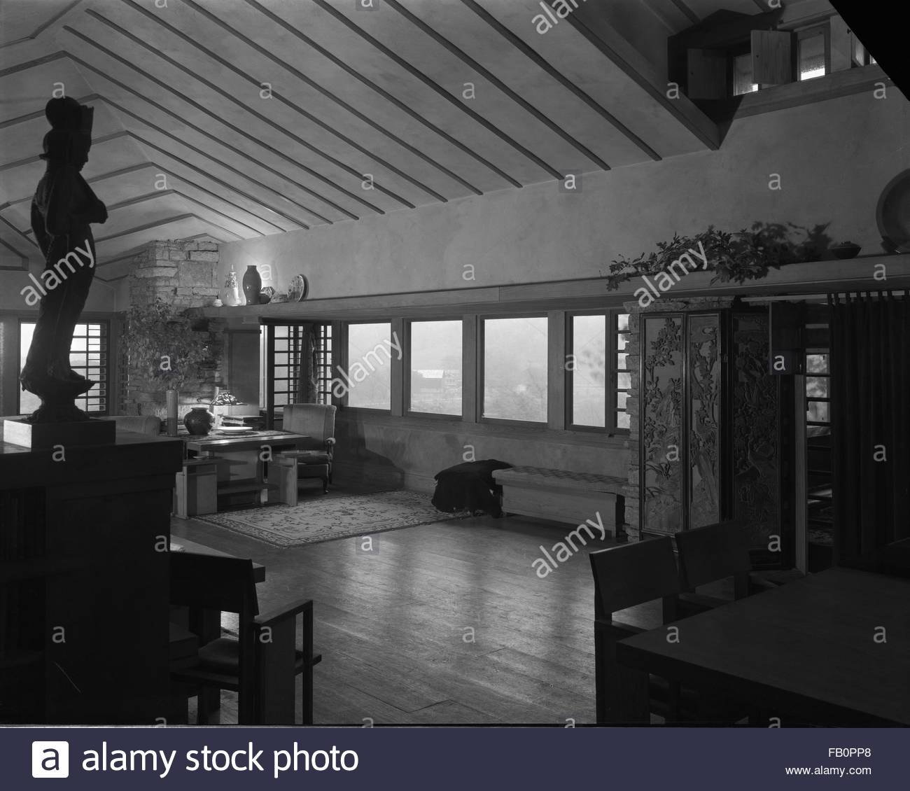 Taliesin East in Spring Green (Wis.), 1937 Dec. living room. - Stock Image