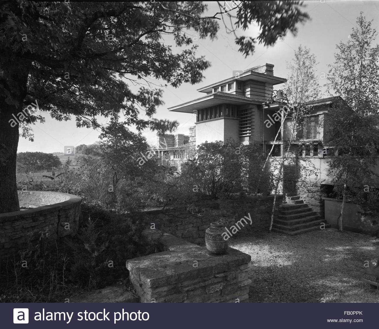 Taliesin East in Spring Green (Wis.), 1937 Dec. main entrance. - Stock Image
