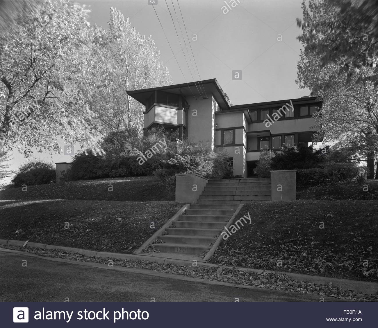 E. A. Gilmore residence in Madison (Wis.), 1937 Dec. Exterior views of the E. A. Gilmore residence at 120 Ely Place - Stock Image