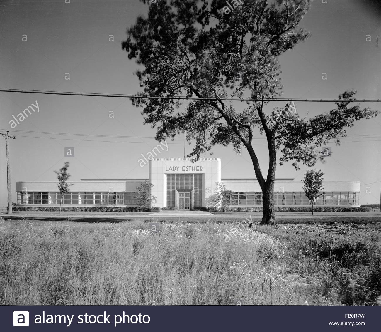 Lady Esther plant in Chicago (Ill.), 1938 July 12. Front elevation. - Stock Image