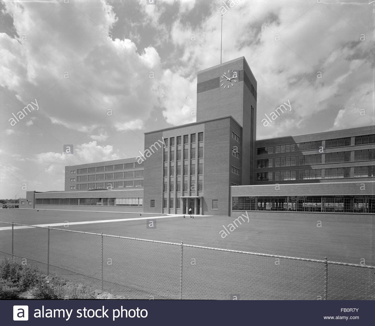 Burroughs adding machine plant in Plymouth (Mich.), 1938 July 12. Exterior, front of building. - Stock Image