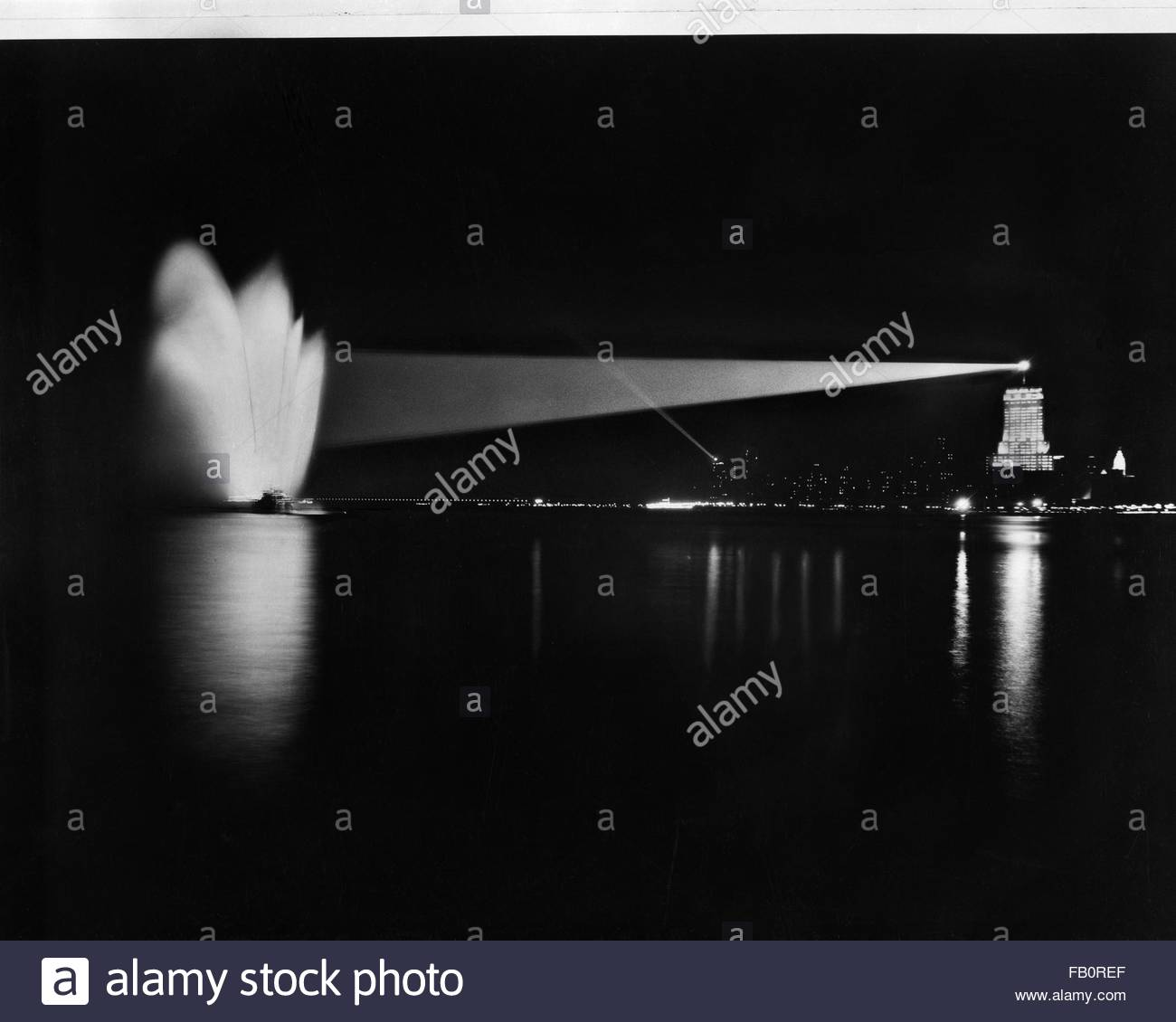 Palmolive Building (later Playboy building) in Chicago (Ill.), night views, 1939 July 11. Chicago skyline with the - Stock Image