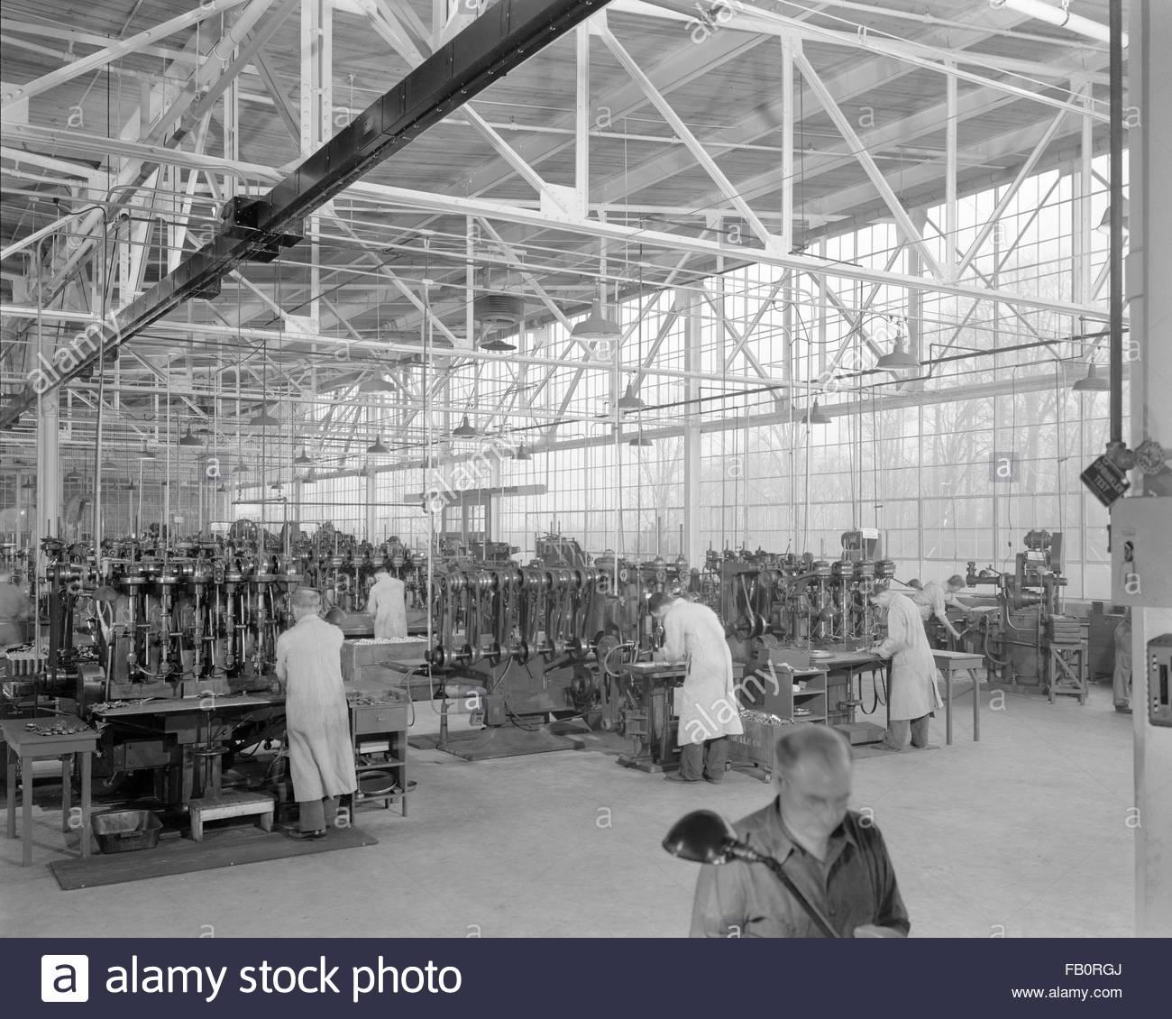 Toledo Scale plant in Ohio, 1939 Dec. 27. Interior, factory. - Stock Image