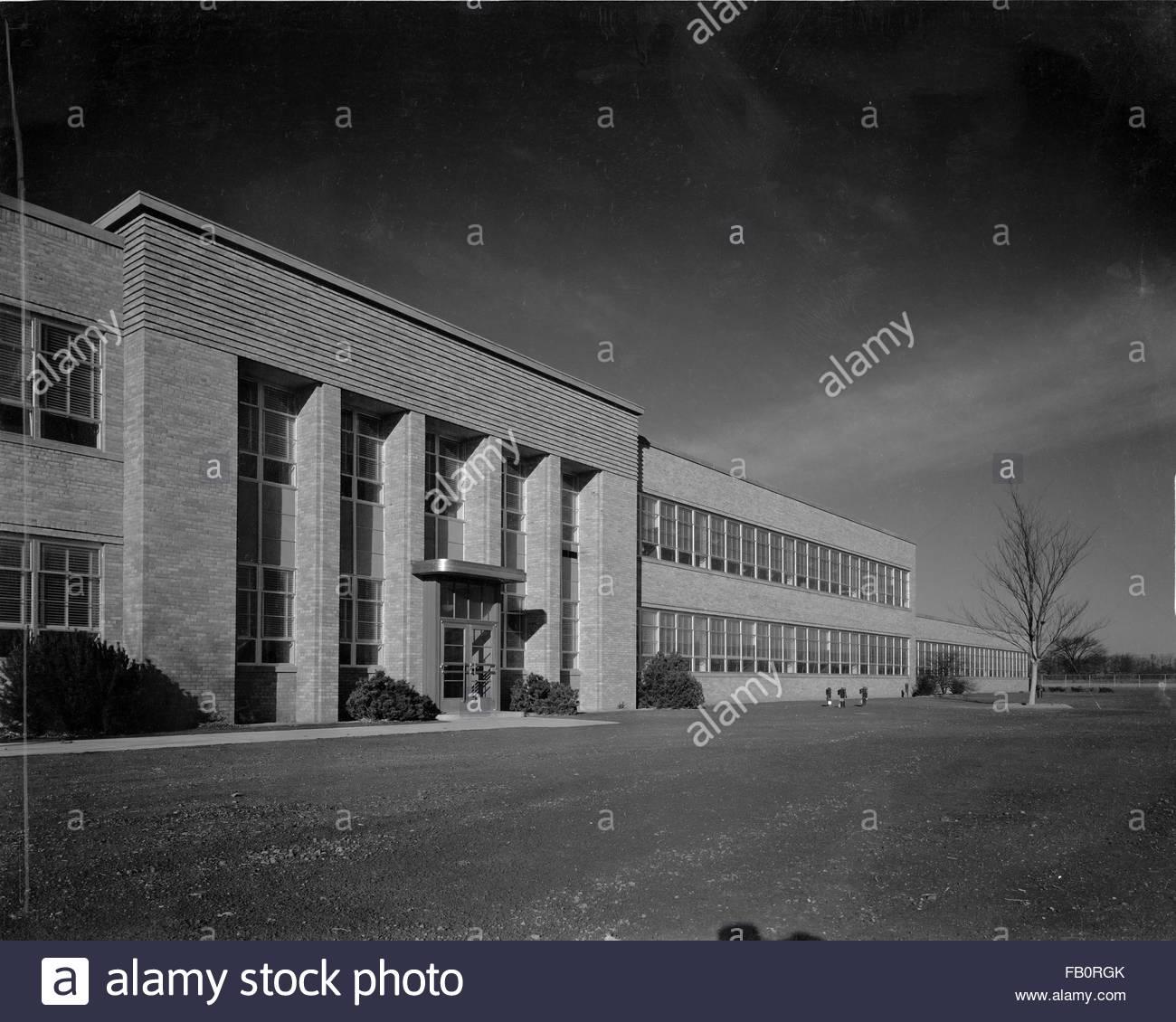 Toledo Scale plant in Ohio, 1939 Dec. 27. Exterior, building entrance - Stock Image