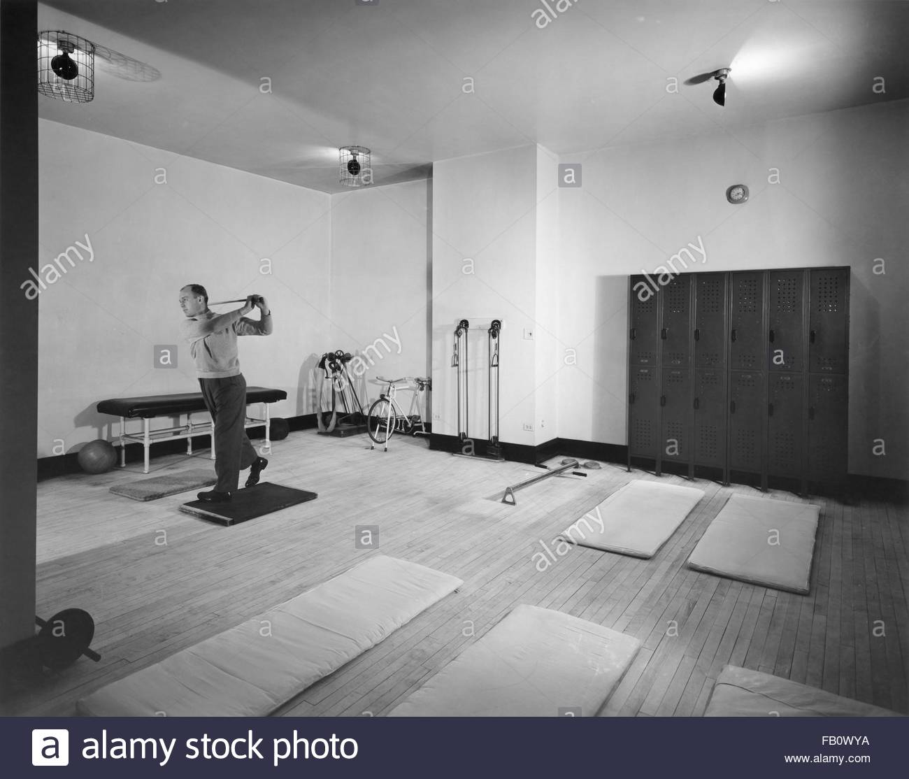 Field Building in Chicago (Ill.), interior views, 1943 Mar. 9. Interior, exercise room (from print), Image forms - Stock Image