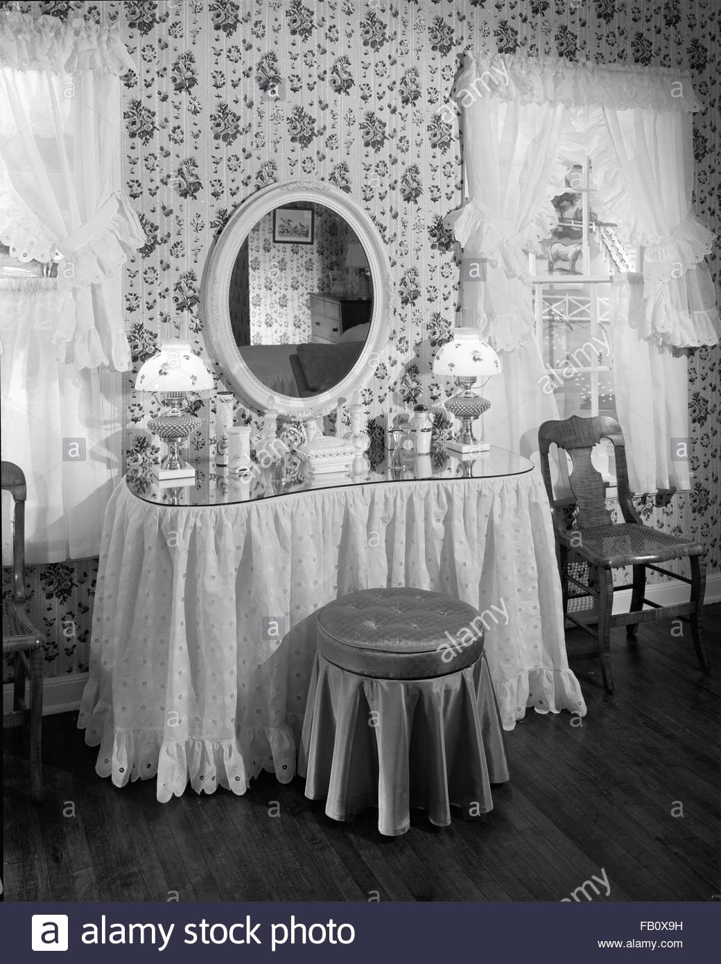 Town and Country House at Marshall Field and Company, 1943 April 23. Vanity. - Stock Image