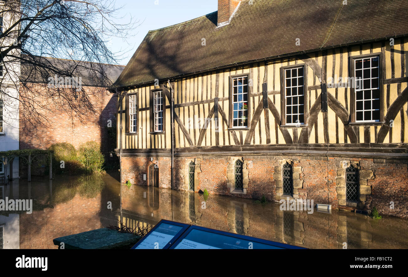 The Grade 1 listed building 'Merchant Adventurer's Hall' inundated by floodwater from the River Foss - Stock Image