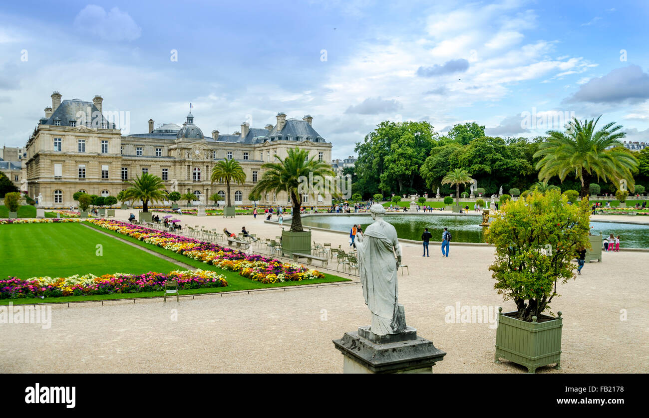 PARIS,FRANCE ; Summer day in the Luxemburg garden. - Stock Image