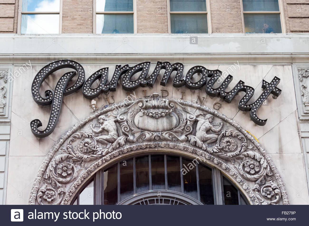 Paramount Studios Sign  1501 Broadway, also known as the Paramount Building, is a 33-story, 391-foot office building - Stock Image