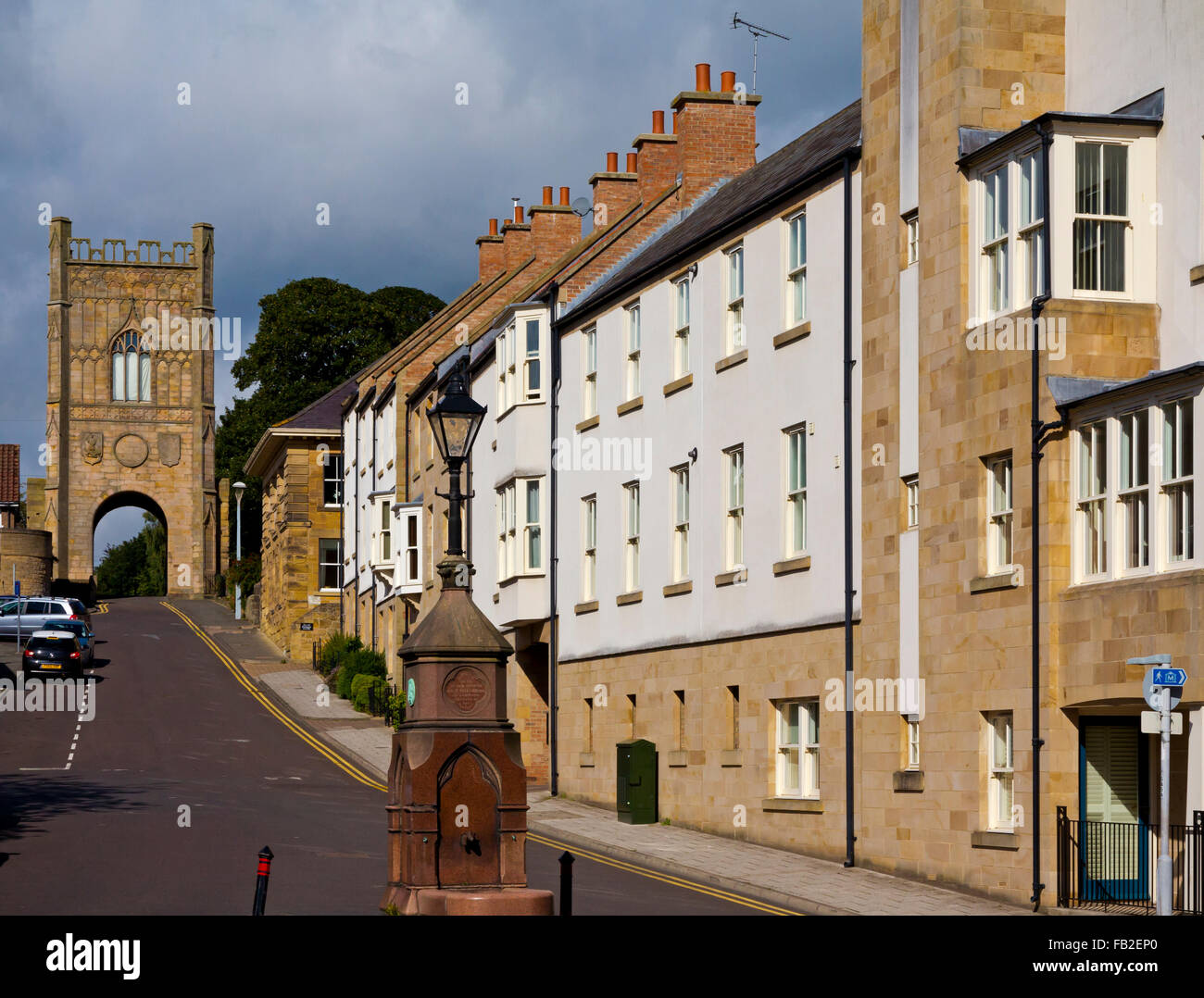 Pottergate Tower an ancient gate into the town of Alnwick in Northumberland England UK erected in 1768 - Stock Image