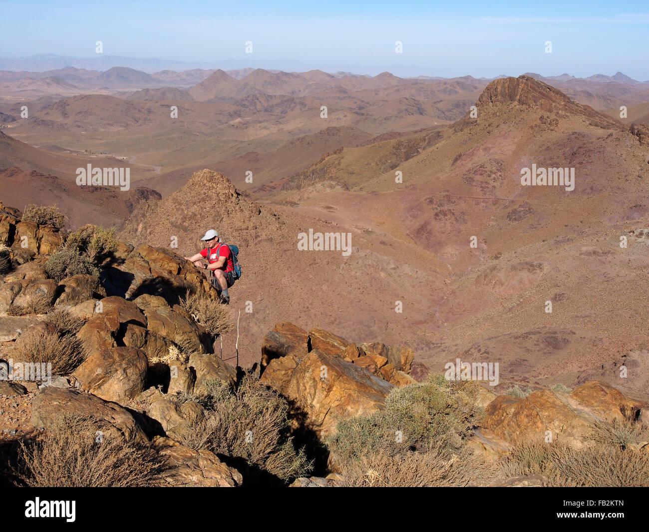ascending NE ridge of 2350m peak SE of Tanemlalt, Jbel Saghro, Morocco - Stock Image