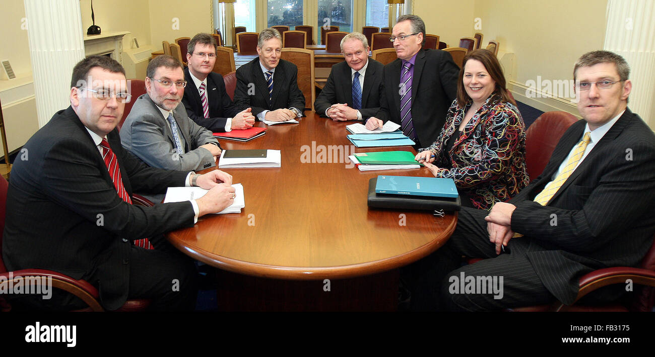 Six assembly members - three from the DUP and three from Sinn Fein meet for the first time to examine the issue - Stock Image