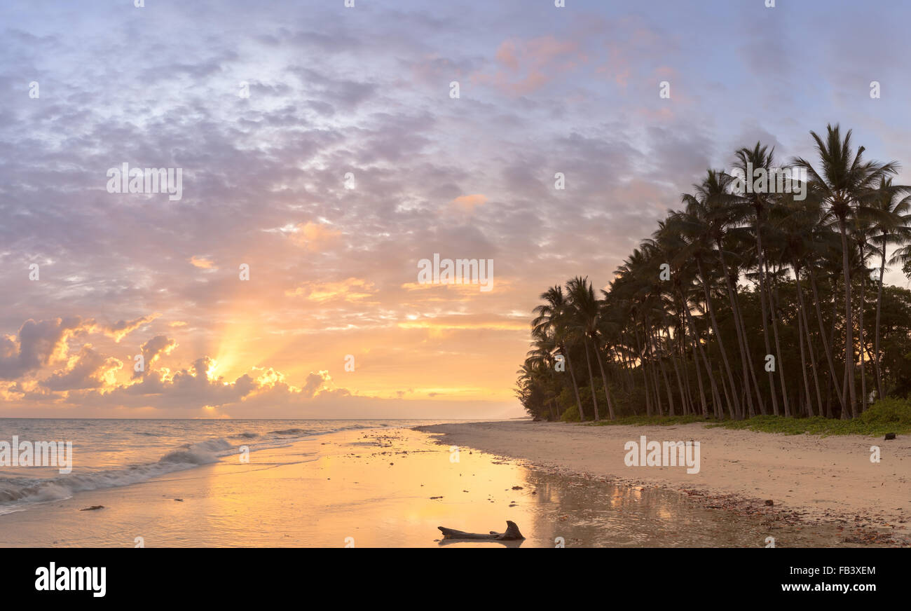 Sunrise at Four Mile Beach, Port Douglas - Stock Image