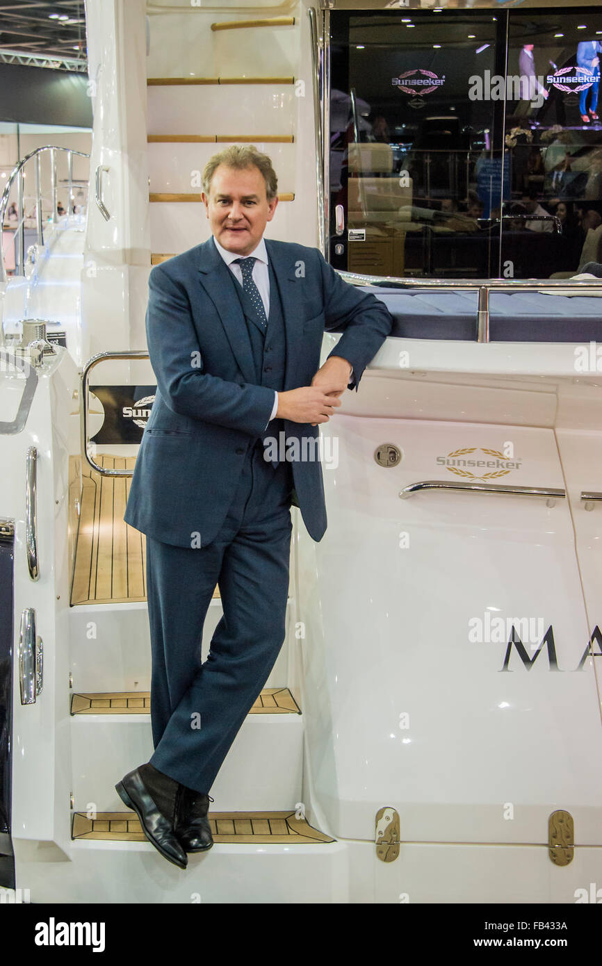 London, UK. 8th January, 2016. Hugh Bonneville opens the Sunseeker Stand and launches the giant 131 for its new - Stock Image