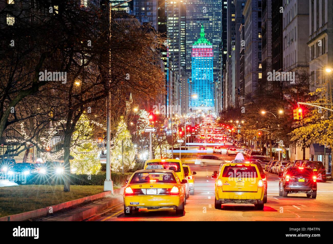 Christmas In New York.New York Christmas New York Street Park Avenue Decorations