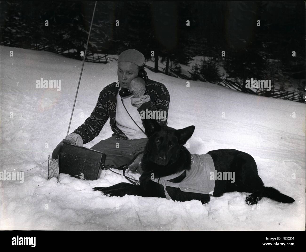 1972 - Snow Avalanche rescue Every half minute the man on the phone asks for a sign of life to be able to dig out - Stock Image