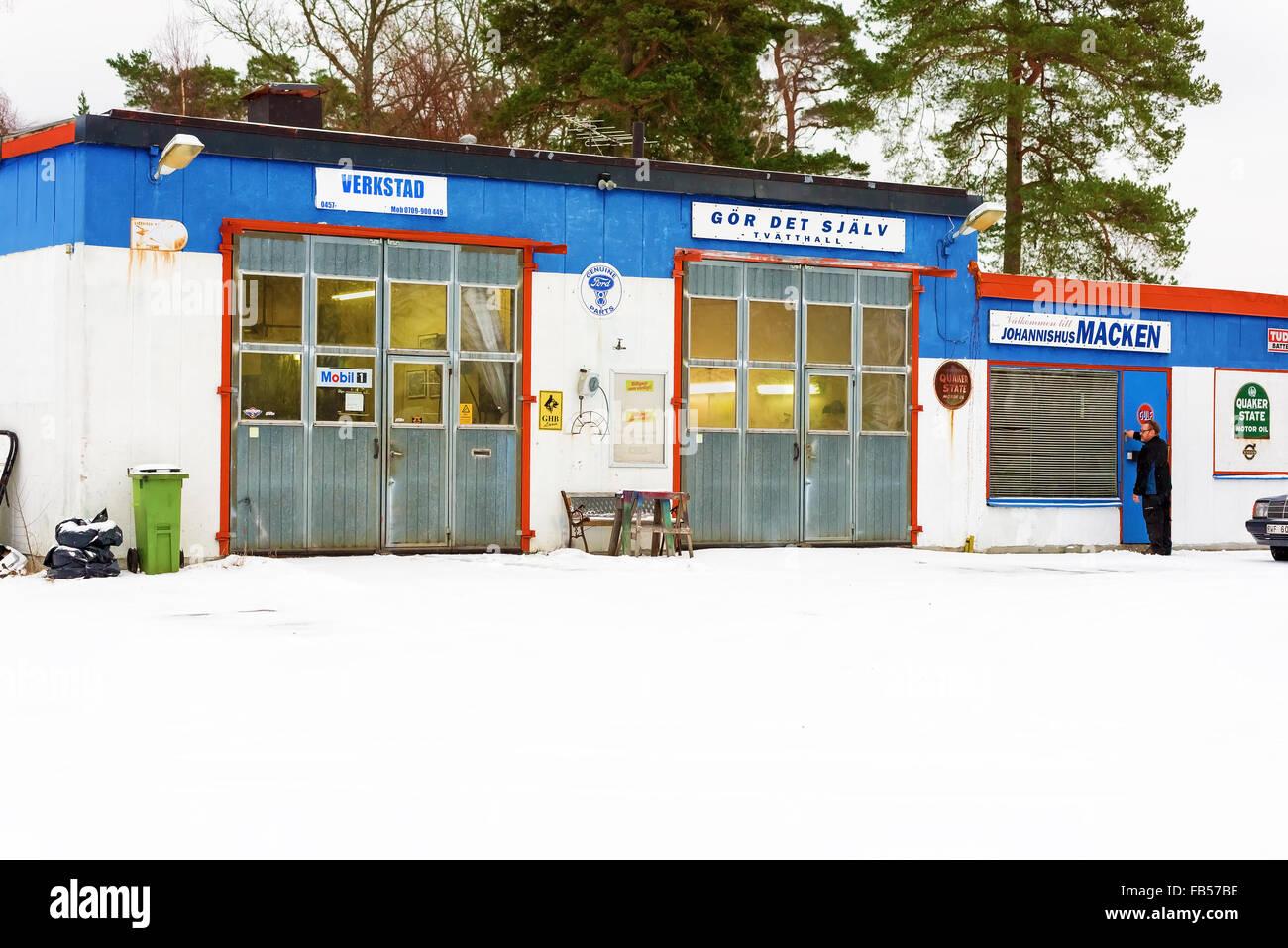 Garage sign auto repair stock photos garage sign auto repair stock johannishus sweden january 8 2016 the auto repair shop houses a garage solutioingenieria Images