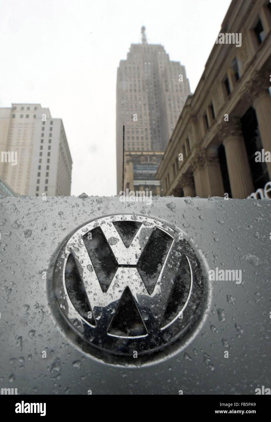 Snow Covered Volkswagen Logo Pictured Volkswagen Stock Photos Snow