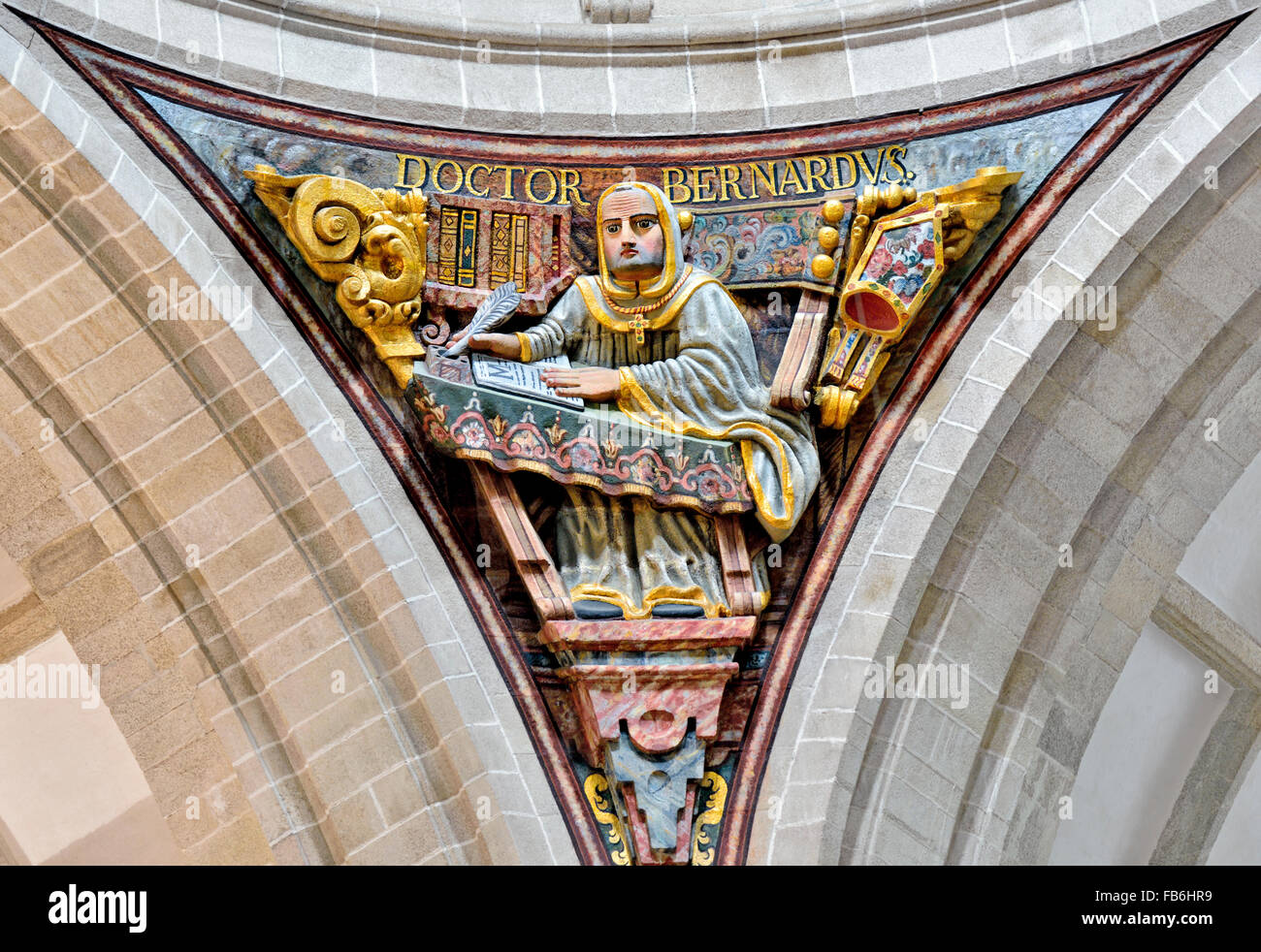 Spain, St. James Way: Relief of Doctor Bernardus in the basilica of the Monastery Samos in Galicia - Stock Image
