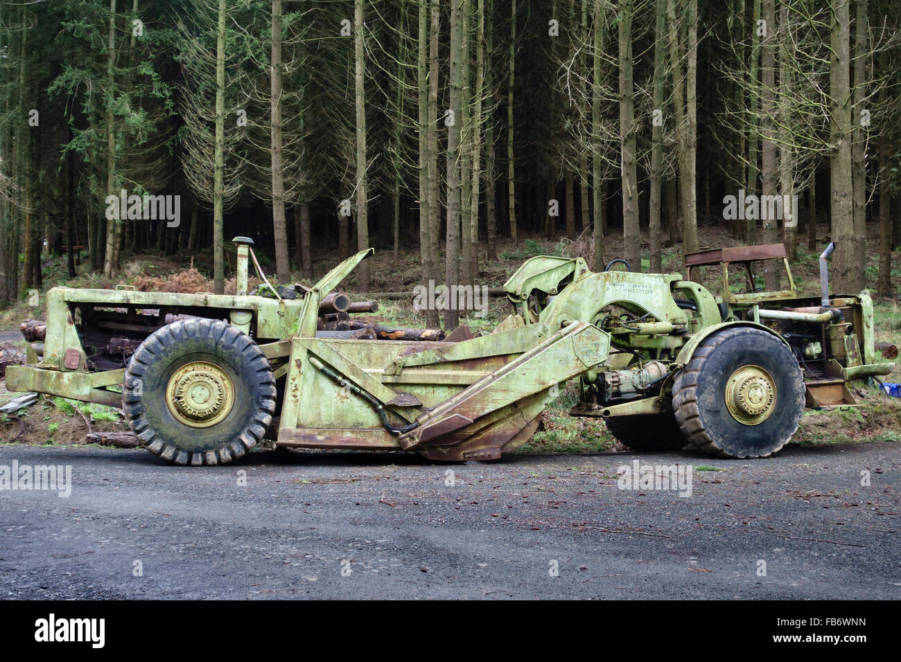 Herefordshire, UK. An old Terex TS-14b grader or scraper making new access tracks in a forestry plantation - Stock Image