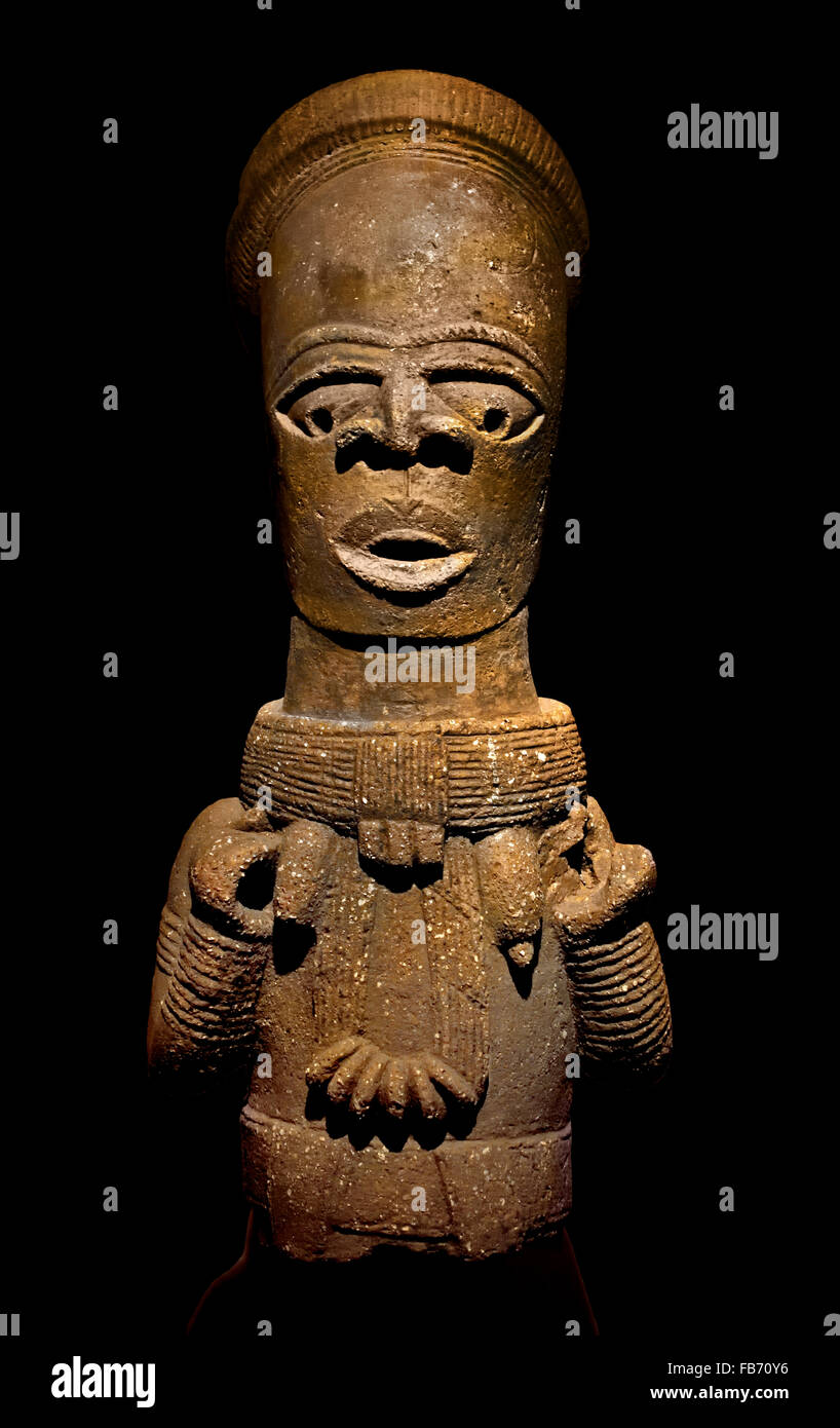 Bust of Woman Priestess nobility or divine ancestor 5th century Nok Nigeria Africa African Terracotta - Stock Image