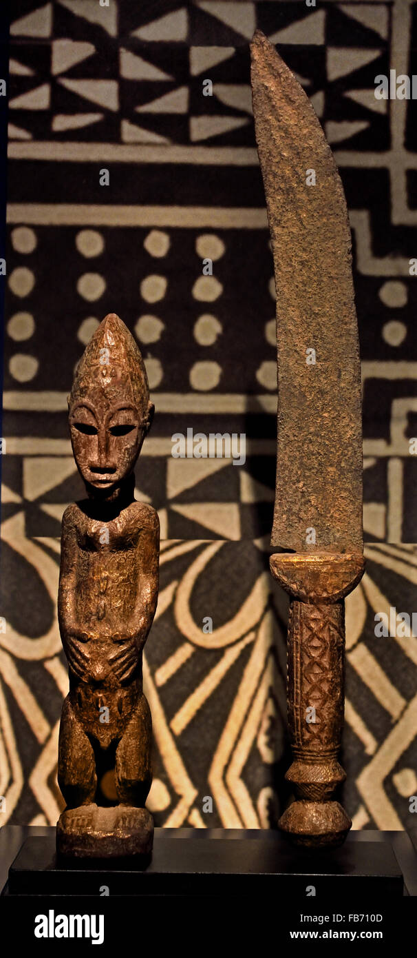 Dignitary insignia Baule (Ivory Coast) Statue and Knife wood metal Africa African - Stock Image