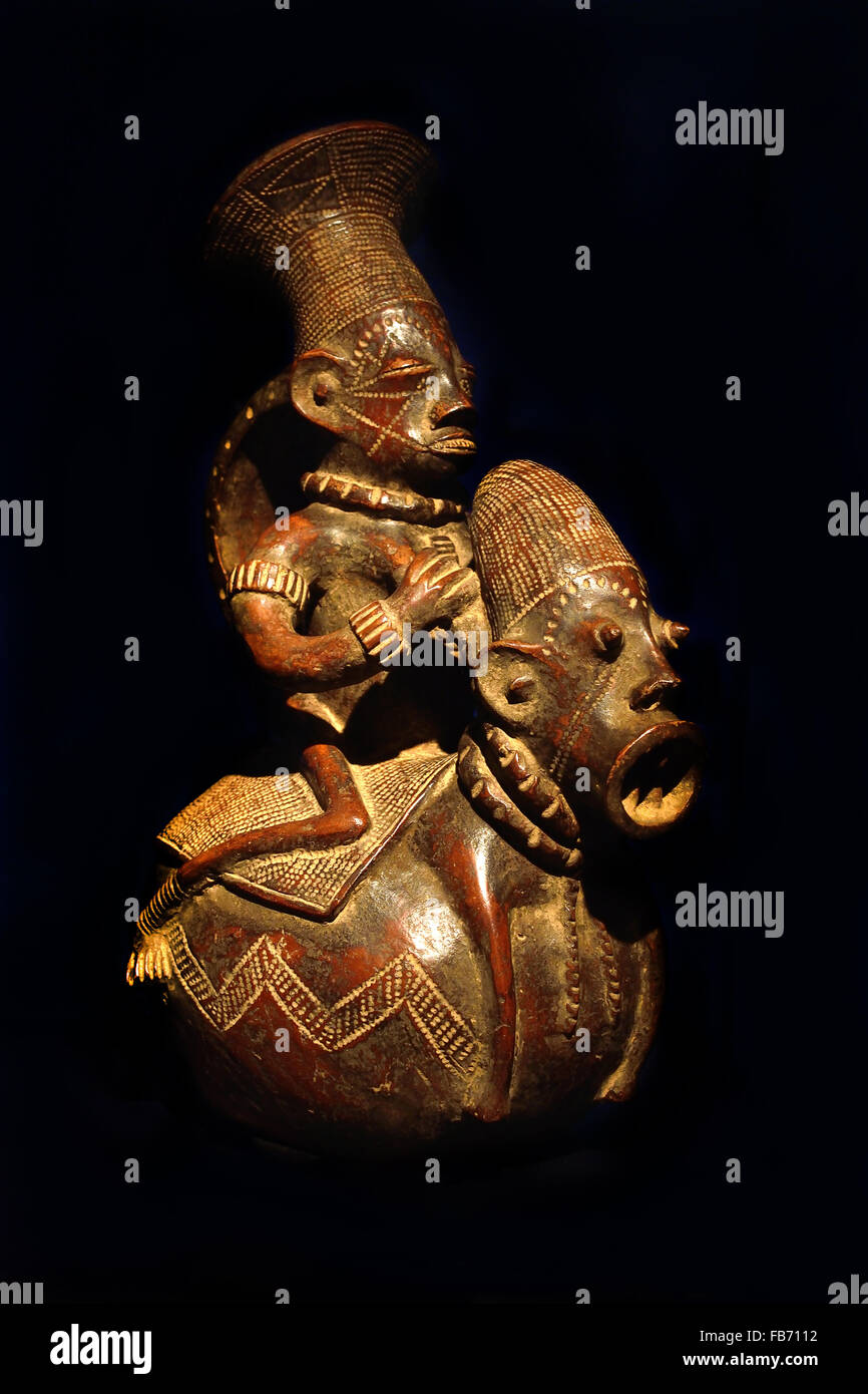Mangbetu aristocrat vessel (Democratic Republic of Congo) 19th Century  Terracotta Africa African ( Mangbetu aristocrats - Stock Image