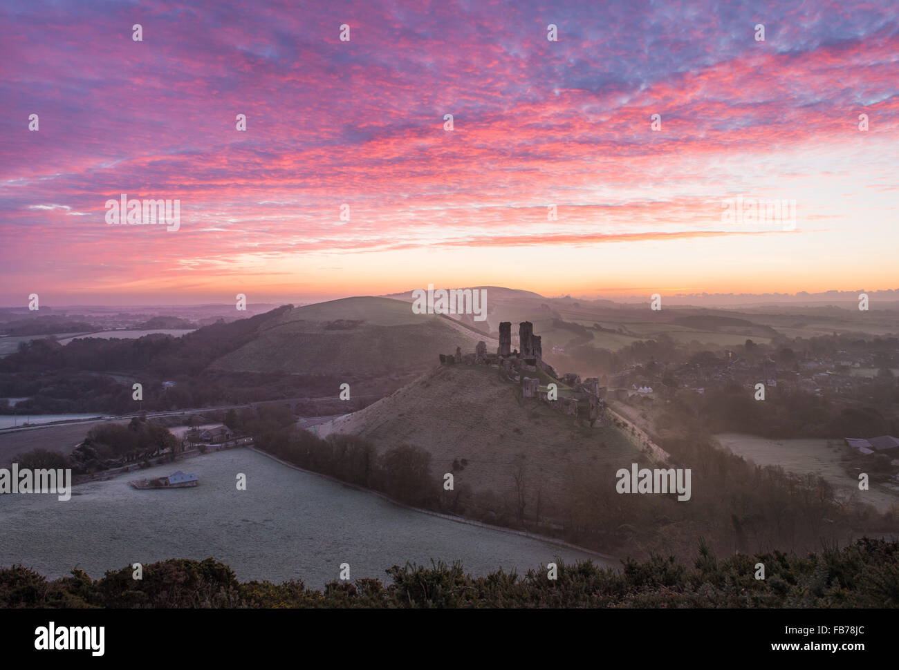A view over Corfe Castle in Dorset. - Stock Image