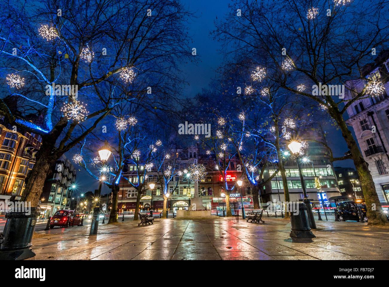 Sloane Square, London, UK, at Christmas with illuminations - Stock Image