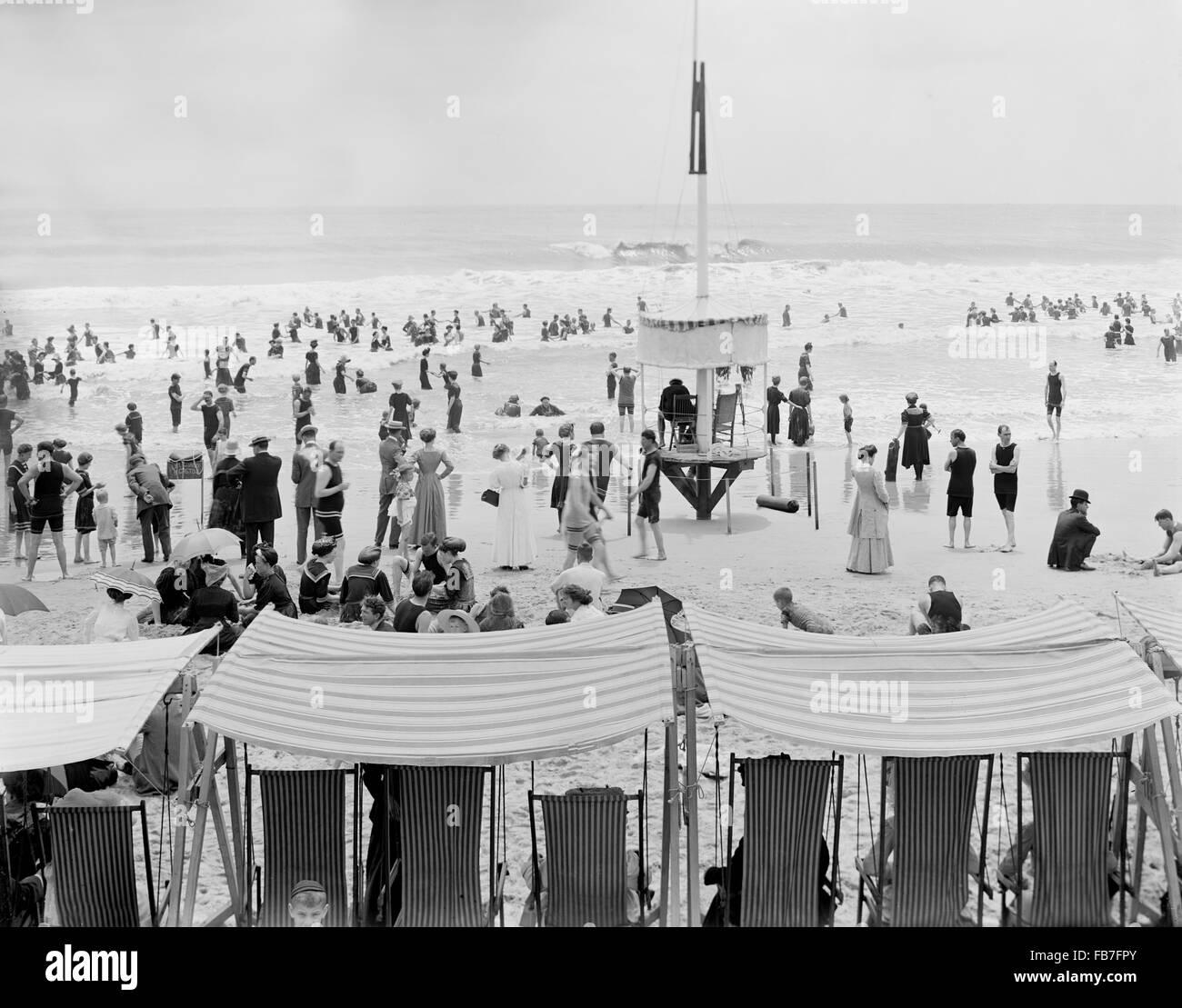 Beach Scene, Atlantic City, New Jersey, USA, circa 1910 - Stock Image