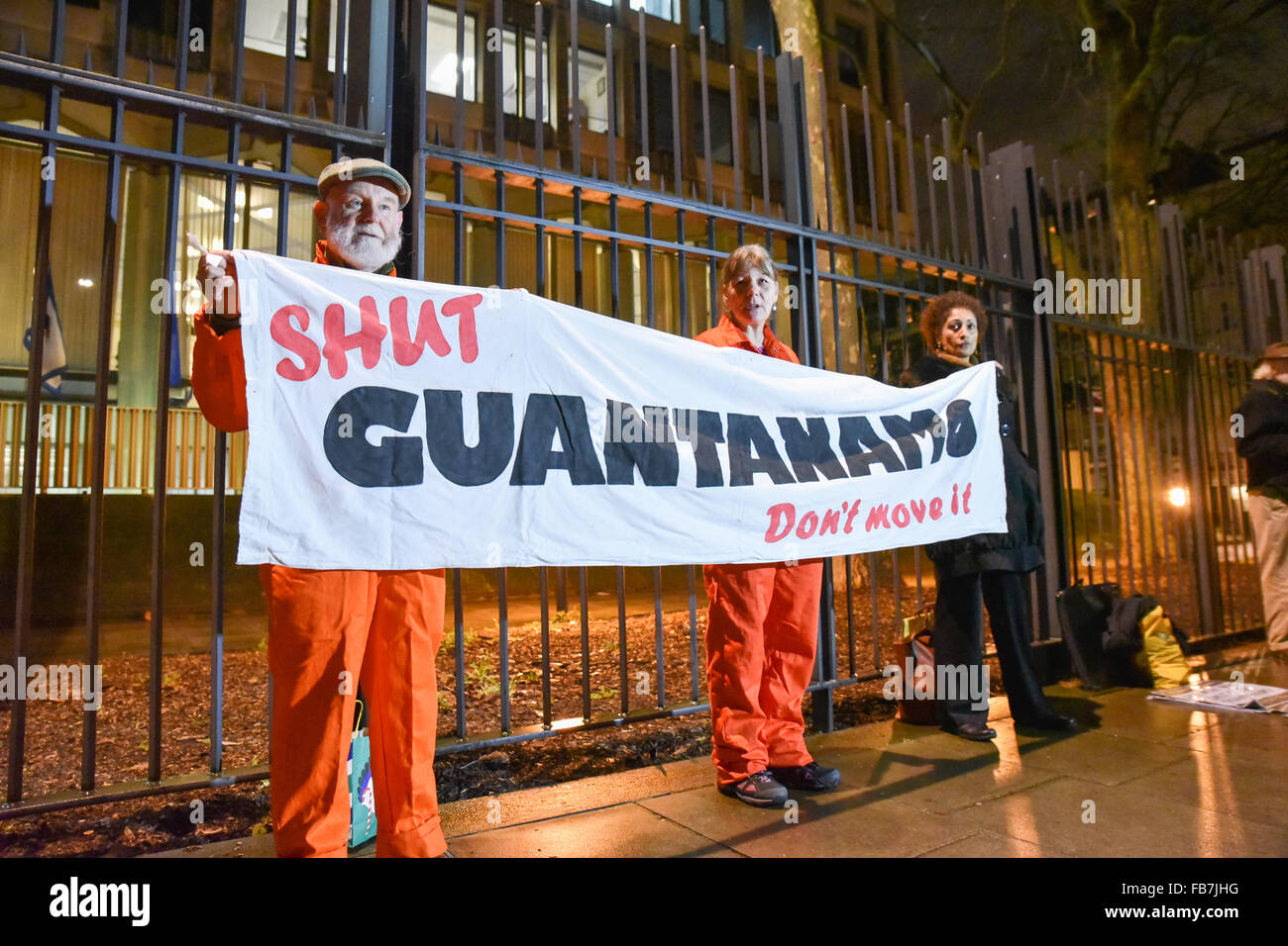 Grosvenor Square, London, UK. 11th January 2016. Candle Lit Vigil outside US Embassy in London military prison at Stock Photo