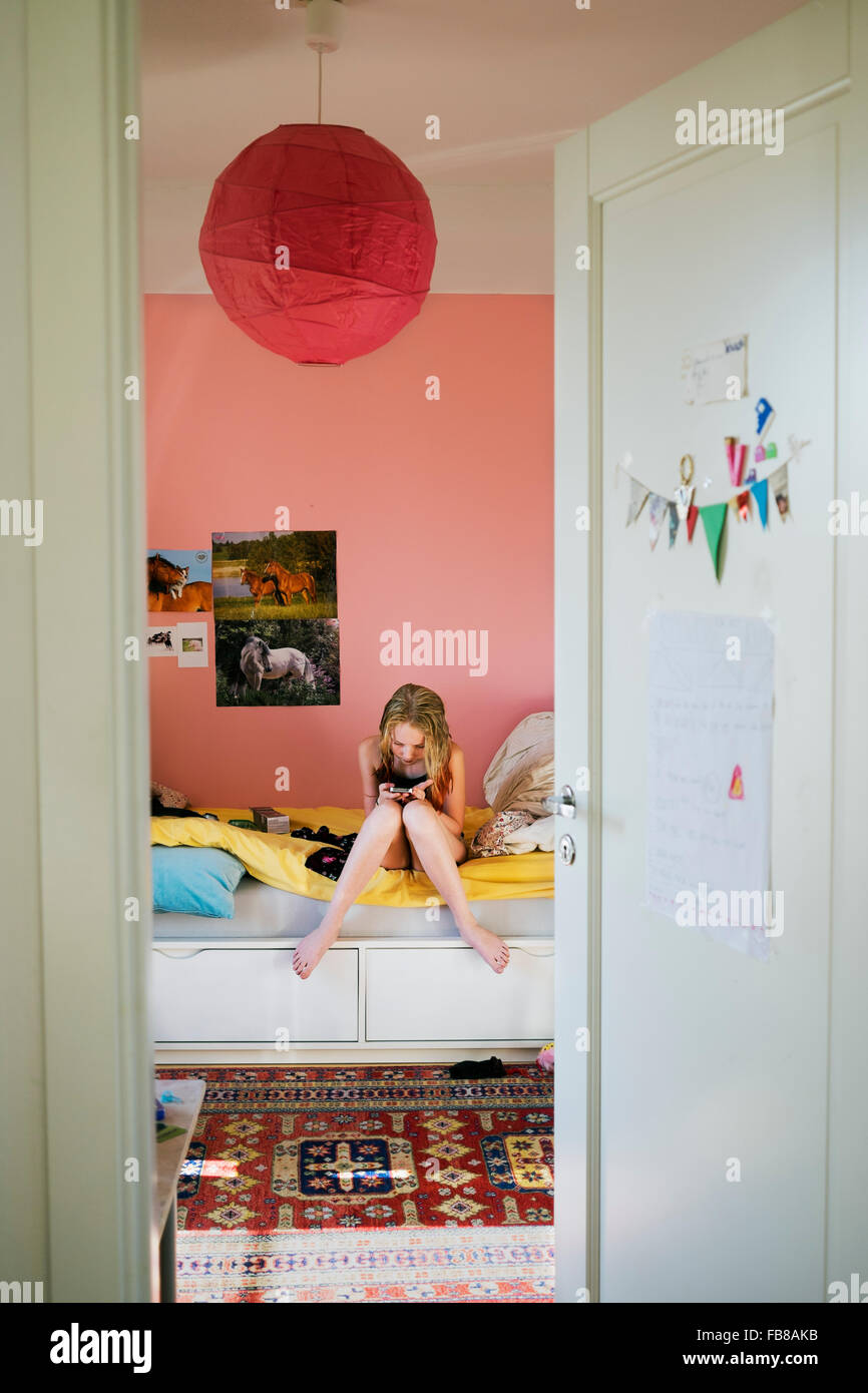 13 Year Bedroom Boy: 14 Year Old Blond Girl Stock Photos & 14 Year Old Blond