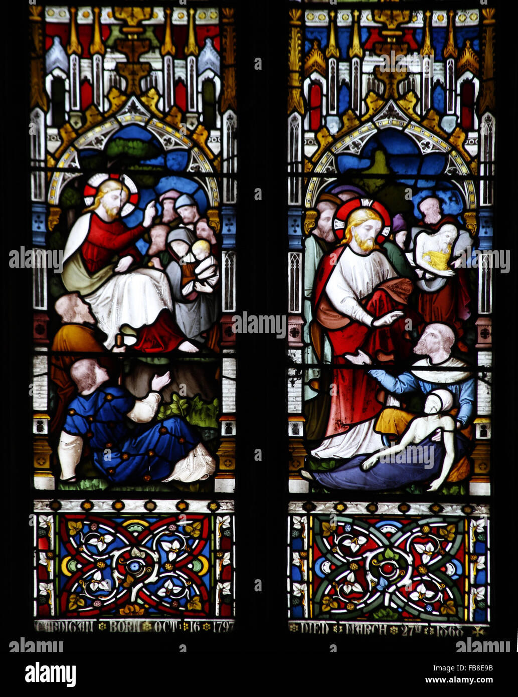 East window by Lavers, Berraud and Westlake, depicting Jesus preaching and healing the sick, St Peter's Church, - Stock Image