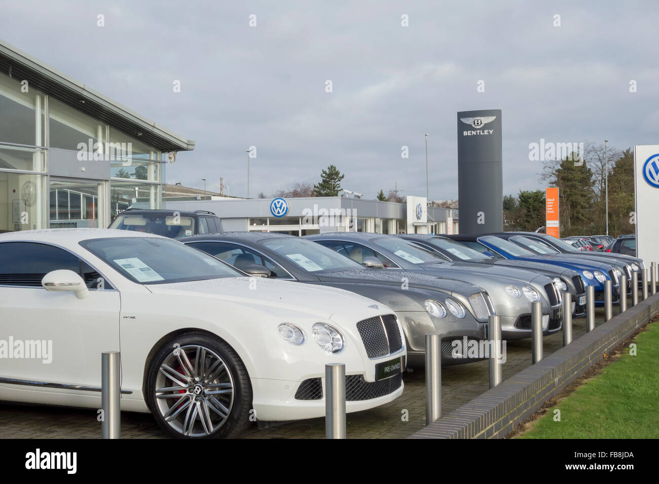 Vindis Bentley Luxury Car Showroom And Garage Roadside Sign Milton