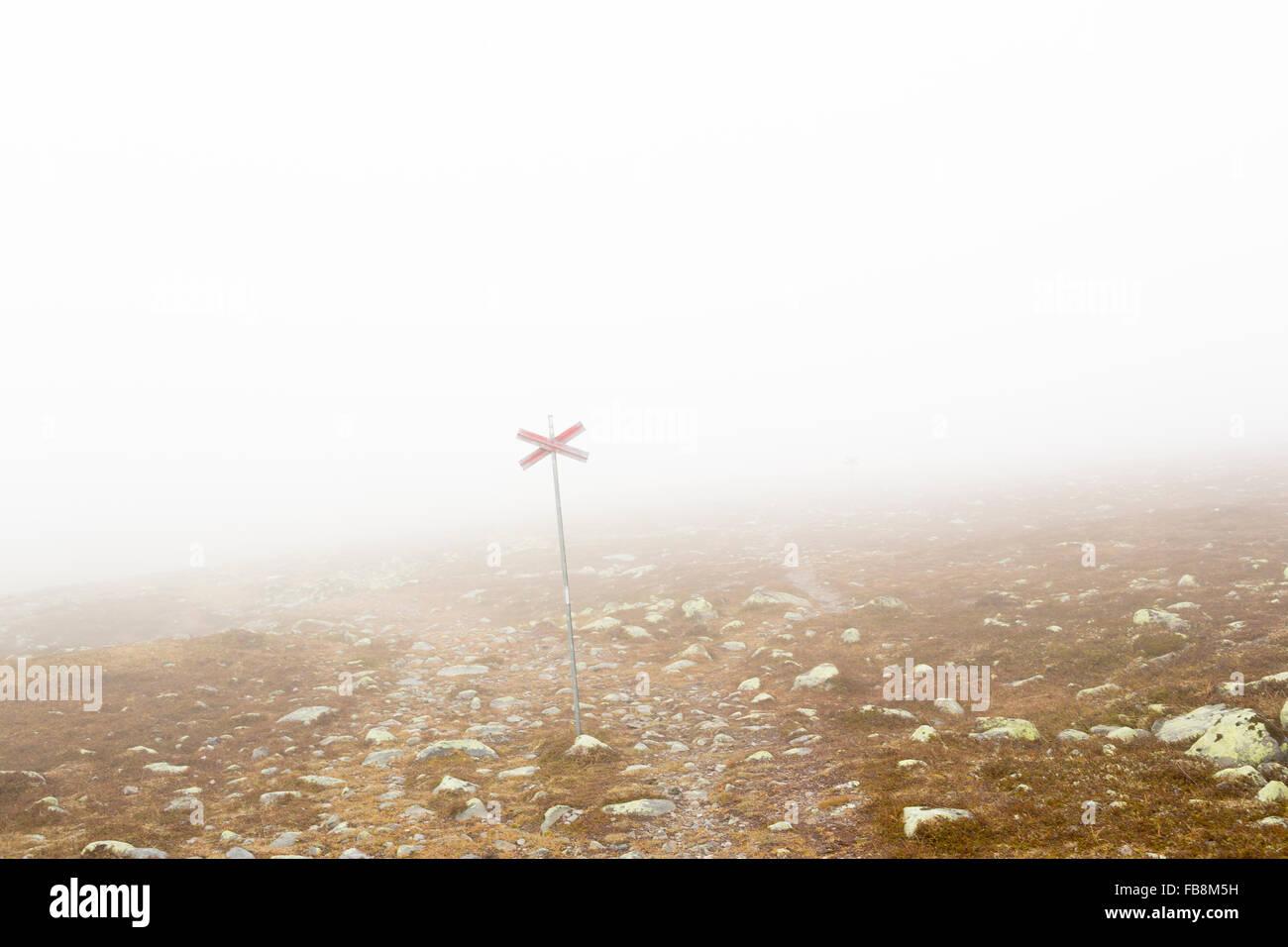 Sweden, Dalarna, Grovelsjon, Mountain plateau in fog - Stock Image