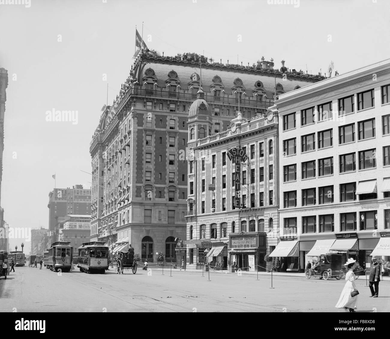 Street Scene, Hotel Astor and Astor Theater, Broadway, Times Square, New York City, USA, circa 1910 - Stock Image